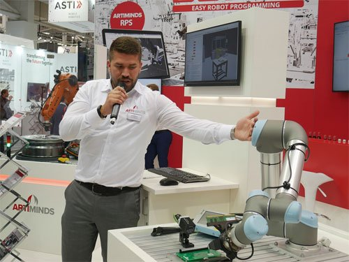 Hannover Messe Stand ArtiMinds