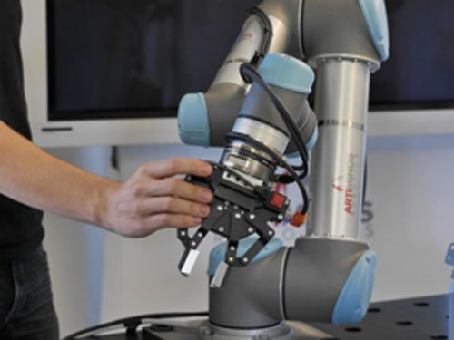 ArtiMinds Robotics – intensive Schulung und Training inklusive