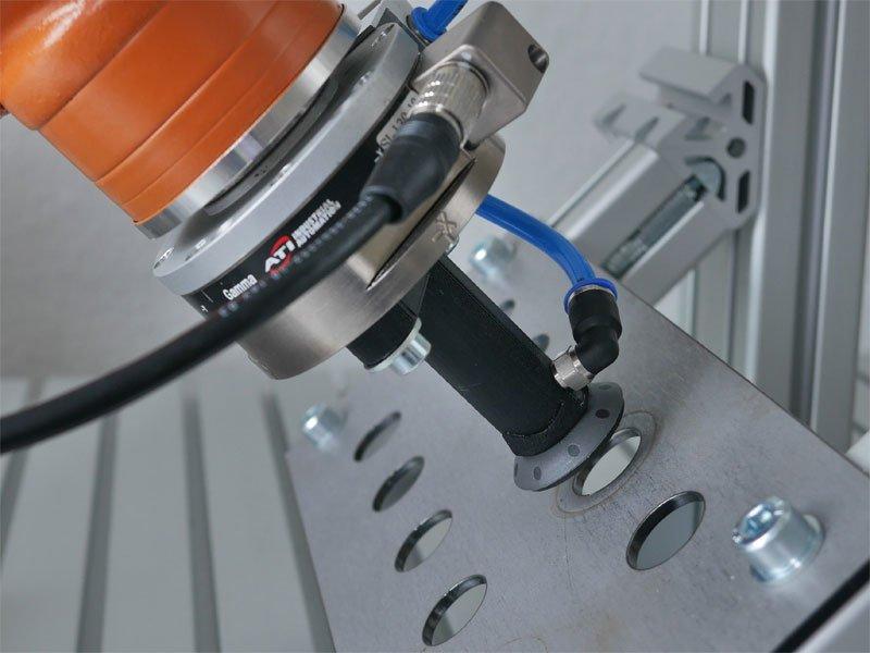 ArtiMinds Robotics - Robot applications for mechanical assembly