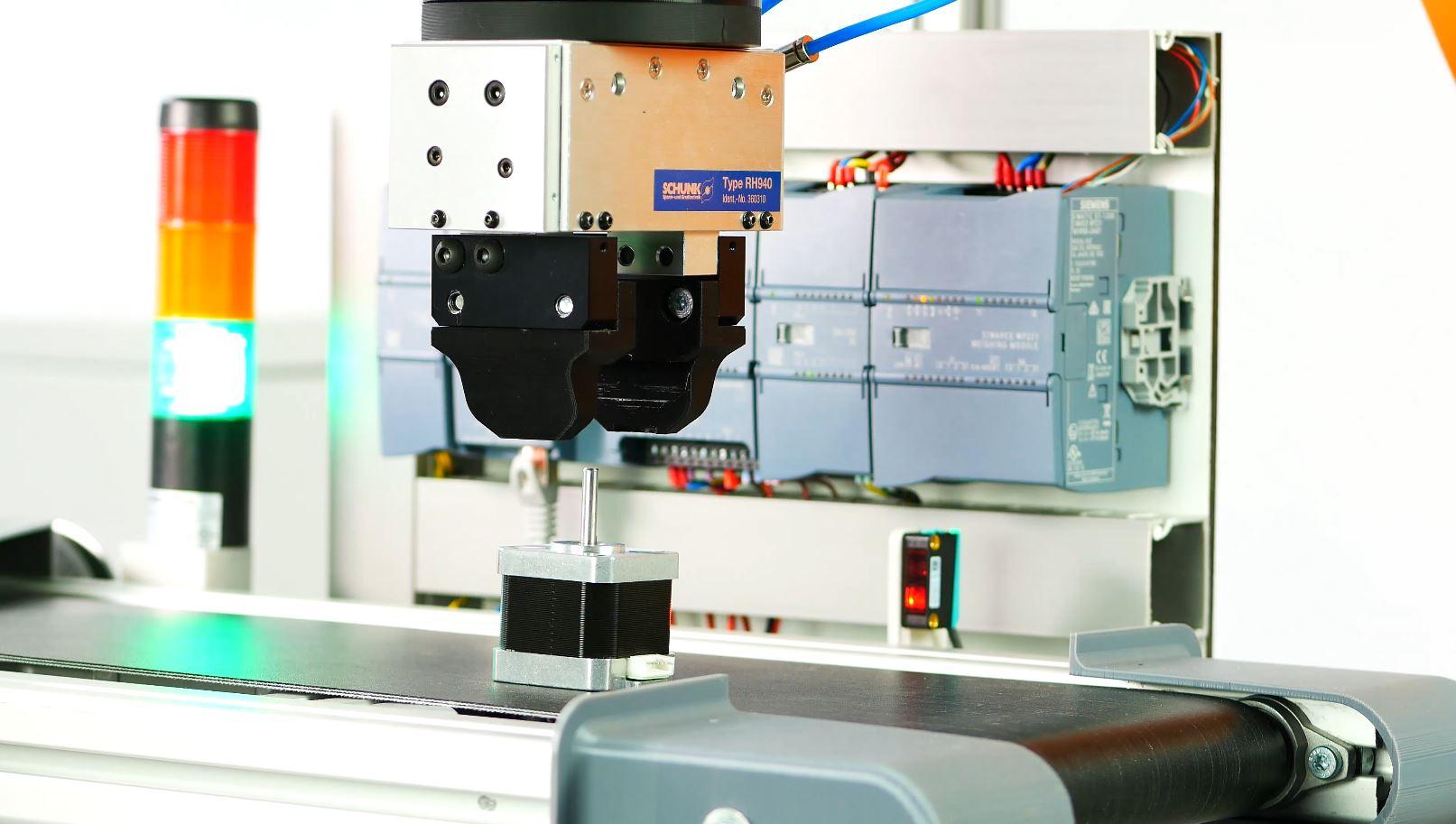 ArtiMinds Robotics - Nahtlose Kommunikation zwischen SPS Steuerung und ArtiMinds RPS