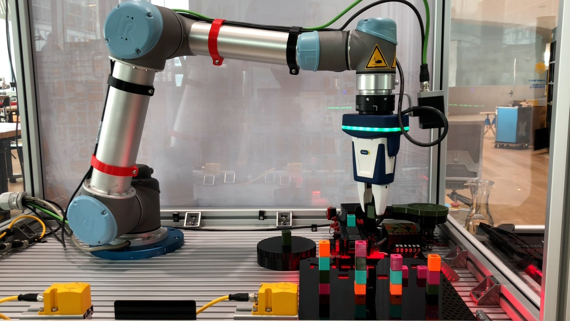 ArtiMinds-Robotics-Sortieranwendung-Cobot-Handling