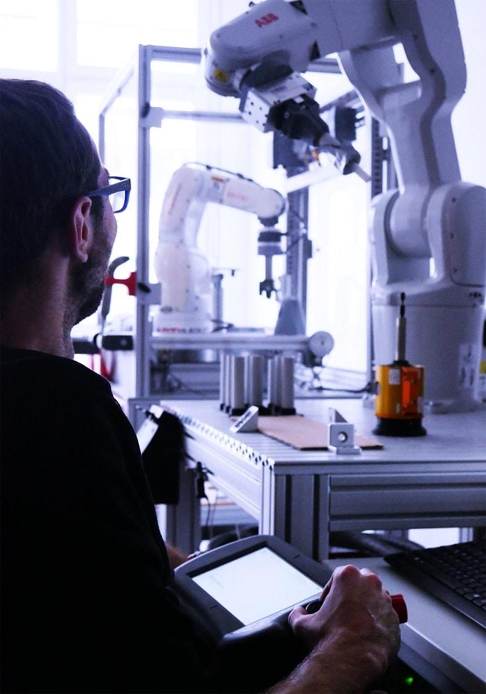 ArtiMinds Robotics - play back of robot teach points